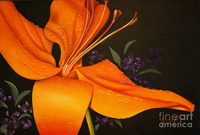 Tangerine Painting - Tangerine Lilly With Raindrops by Jean  Yanowski