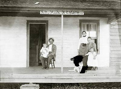 N.c Photograph - Tate Family by Library Of Congress