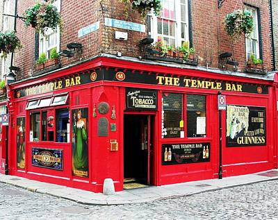 Temple Bar Print by Mel Steinhauer