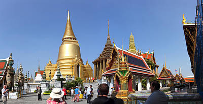 Temple Of The Emerald Buddha - Grand Palace In Bangkok Thailand - 01132 Print by DC Photographer