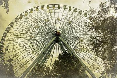 Amusement Park Photograph - Texas Star Old Fashioned Fun by Joan Carroll