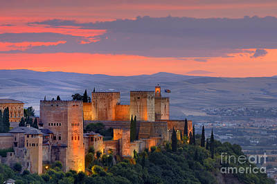 The Alhambra At Sunset Print by Guido Montanes Castillo