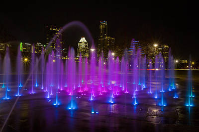 Austin Skyline Photograph - The Austin Skyline And The Liz Carpenter Fountain by Rob Greebon