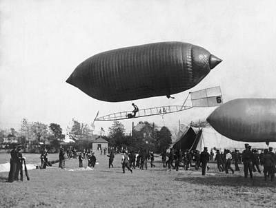 Gathering Photograph - The Beachey Airship by Underwood Archives