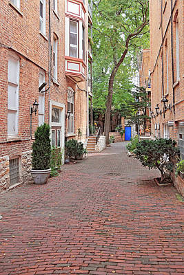 Brick Buildings Photograph - The Blue Door - Gaslight Court Chicago Old Town by Christine Till