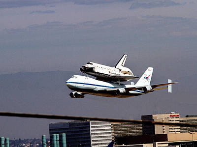 The Endeavor And Her 747 Final Landing At Lax Print by Denise Dube