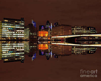 Pete Reynolds Photograph - The Exotic Skyline by Pete Reynolds