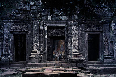 Photograph - The Facade Of Sanctuary by Nawarat Namphon