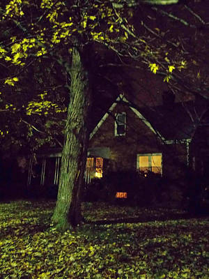 Photograph - The House Was Quiet by Guy Ricketts