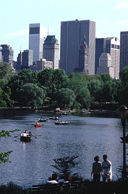 The Lake At Central Park Late Summer Afternoon Print by Tom Wurl