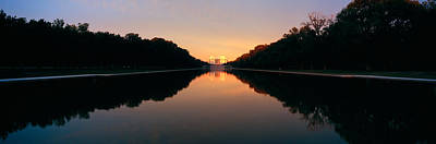 Lincoln Memorial Photograph - The Lincoln Memorial At Sunset by Panoramic Images