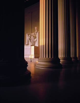 Lincoln Memorial Photograph - The Lincoln Memorial In The Morning by Panoramic Images