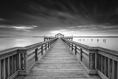 Stopper Photograph - The Line by Edward Kreis