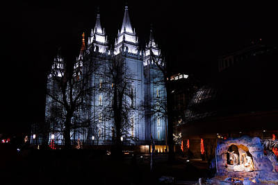 Christmas Photograph - The Manger At Temple Square by Gloria Pasko