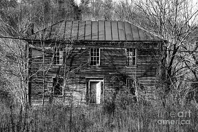 Old Home Place Photograph - The Mansion Bw by Teresa Mucha