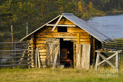 Heiko Photograph - The Old Barn by Heiko Koehrer-Wagner