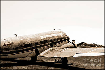 The Old Dc3 Print by Steven  Digman