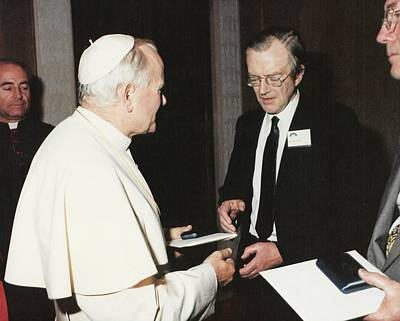 Maurice Photograph - The Pope And Maurice Wilkins by King's College London Archives