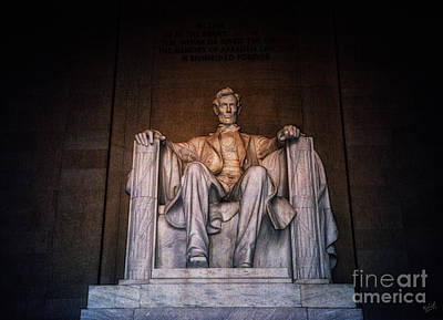 Lincoln Memorial Digital Art - The President by Nishanth Gopinathan