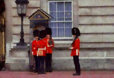 Tower Of London Painting - The Queen's Guards by Dan Sproul