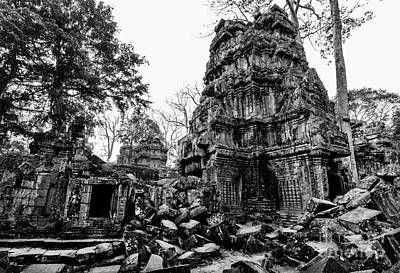 The Ruins At Ta Prohm Print by Julian Cook