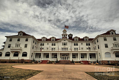 Jack Nicholson Photograph - The Stanley Hotel by Cheryl Young