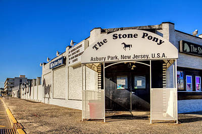 Hangout Digital Art - The Stone Pony Asbury Park New Jersey by Geraldine Scull