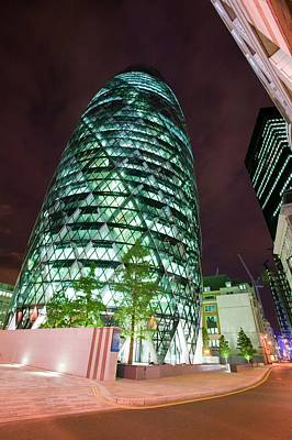 Gherkin Photograph - The Swiss Re Tower At Night by Ashley Cooper