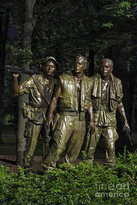 Vietnam War Memorial Photograph - The Three Soldiers by John Greim