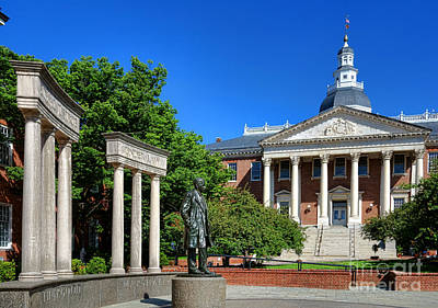 Thurgood Marshall Memorial And Maryland State House Print by Olivier Le Queinec