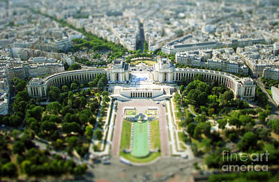 Miniature Effect Photograph - Tilted Reality by Andrew Paranavitana