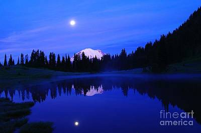 Tipsoe Lake In The Morn  Print by Jeff Swan