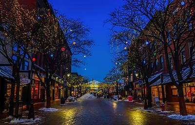 Storefront Photograph - Tis The Season - Burlington Vermont by Mountain Dreams