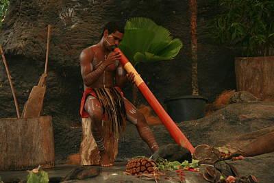 Tjapukai Playing The Didgeridoo Print by Cecelia Helwig