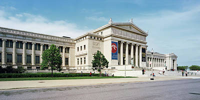 Tourist Near A Field Museum, Chicago Print by Panoramic Images