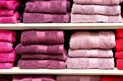 Violet Photograph - Towels by Tom Gowanlock