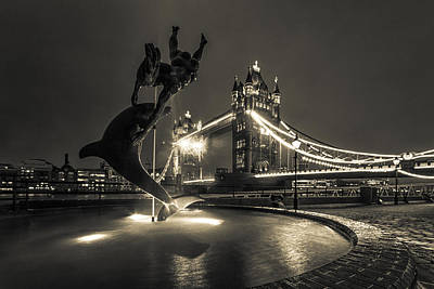 Dolphin Photograph - Tower Bridge And Dolphin by Ian Hufton