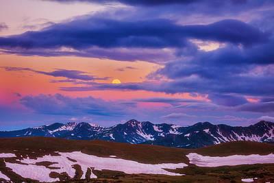 Trail Ridge Moonset Print by Darren  White
