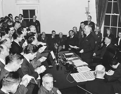 Press Conference Photograph - Truman Announces V-e Day by Underwood Archives