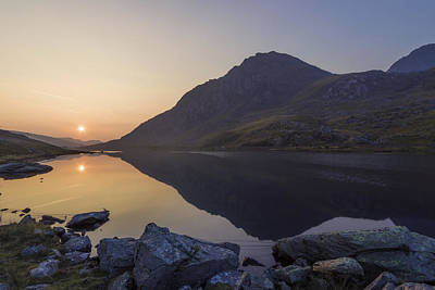 Snowdon Photograph - Tryfan At Dawn by Ian Mitchell