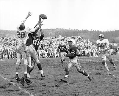 Trying To Catch A Pass Print by Underwood Archives