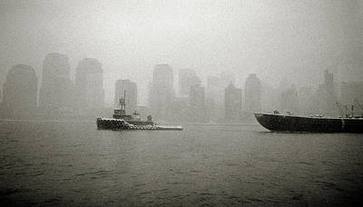 Photograph - Tug On The Hudson by John and Lisa Strazza