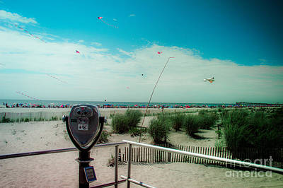 Binoculars Photograph - Turn To Clear At The Shore by Tom Gari Gallery-Three-Photography