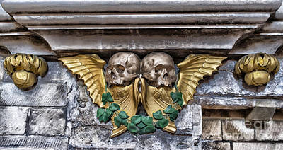 Designs With Photograph - Twin Winged Skull With Laurel Detail - Southwark Cathedral - London - England by Ian Monk