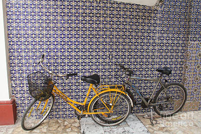 Two Bicycles At The Hotel Belmar Print by Linda Queally