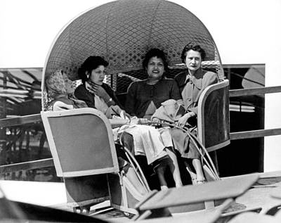 Amusements Photograph - Unhappy Carnival Riders by Underwood Archives