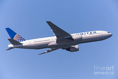 United Airlines Jet 5d29540 Print by Wingsdomain Art and Photography