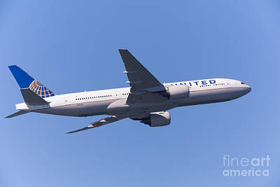 United Airlines Jet 5d29541 Print by Wingsdomain Art and Photography