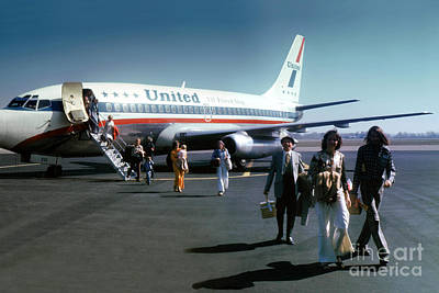 Fixed Wing Multi Engine Photograph - United Airlines Ual Boeing 737-222 N9069u April 1974 by Wernher Krutein