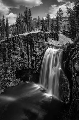 Devils Postpile Photograph - Upper Rainbow Falls Of The San Joaquin River by Alexander Kunz